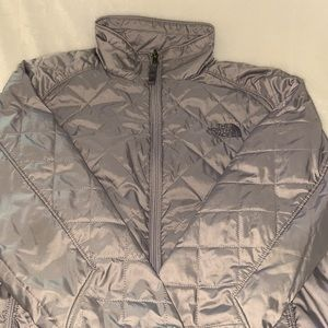 North Face Gray Jacket Women's S or Girls L EUC